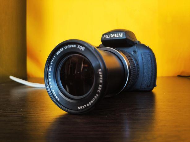 Фотоаппарат Fujifilm HS30EXR/16Мп/30x-zoom/Full HD + много аксессуаров