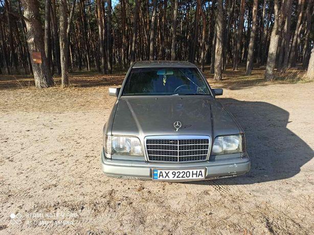 Mersedes-Benz E 124