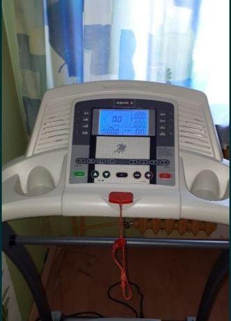 Masywna solidna składana bieżnia z elektrycznym wzniosem Dostawa