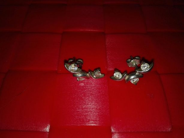 Srebrne kolczyki z cyrkoniami