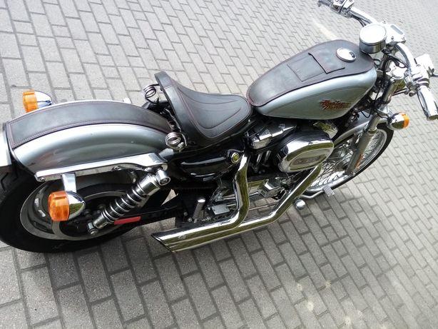 Harley Davidson XL1200C vance&hines