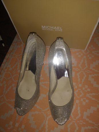 Продам туфлі m.kors