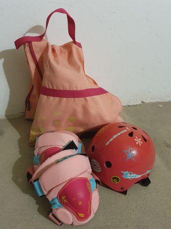 Conjunto patins +proteções de mulher/criança
