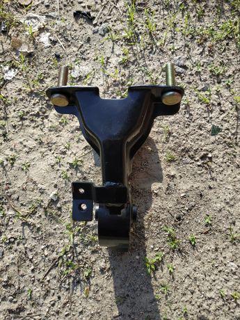 Подушка (опора)двигателя задняя ланцер 9 1.6 4g18