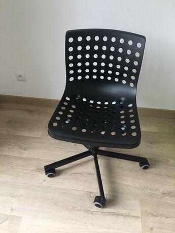 Krzesło obrotowe skalberg ikea czarne