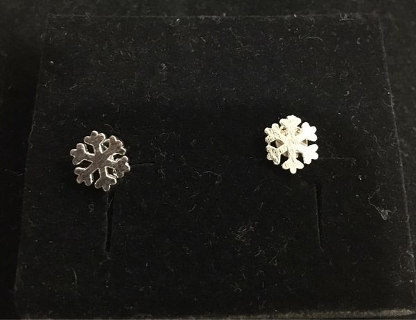 Brincos em prata