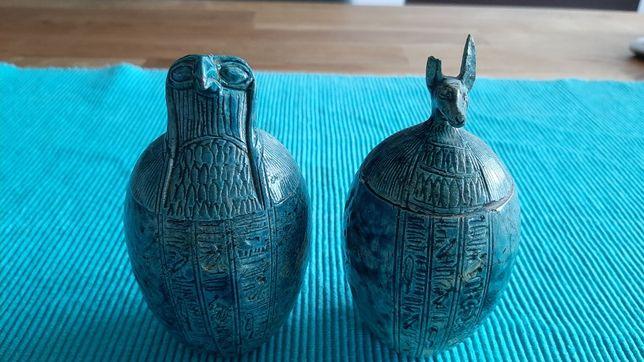 Potes egípcios em pedra