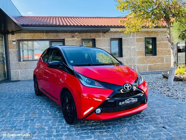 Toyota Aygo 1.0 X-PLAY RED
