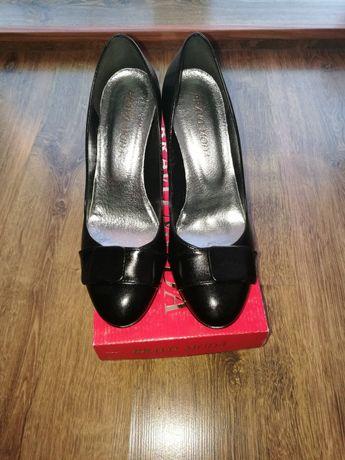 Nowe buty fimy Bravo Moda rozm. 40