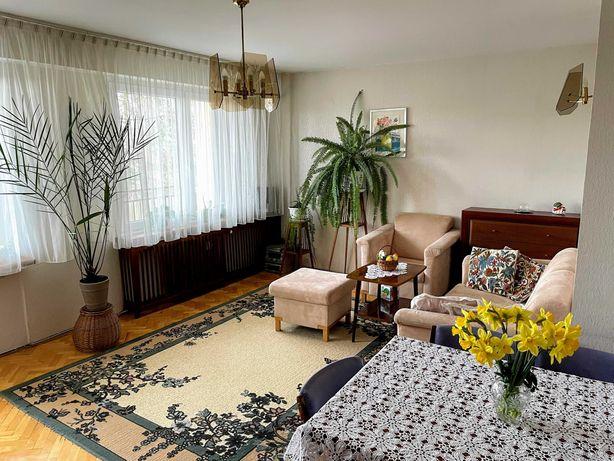 Przestronne mieszkanie w dobrej lokalizacji, możliwość aranżacji