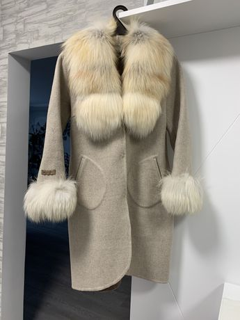 Пальто с чистой шерсти привезенное из Турции