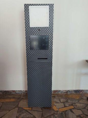 Fotobudka + kosz gadzetow+tlo green screen wraz z statywami