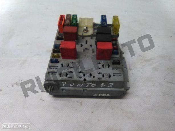 Caixa De Fusiveis 4677_8440 Fiat Punto (188_) 1.2 60 (188.030,