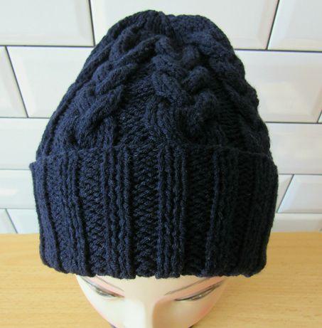 Вязанная шапка косы