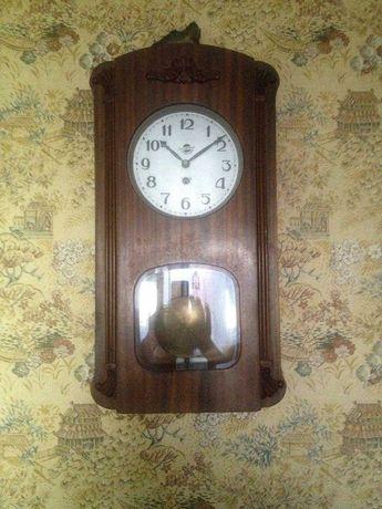 Часы настенные с маятником ссср