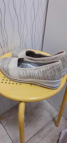 Buty damskie młodzieżowe