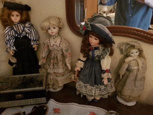 Bonecas de porcelana antigas