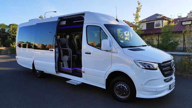 Przewóz transport osób na wesela wycieczki przejazdy van bus autokar