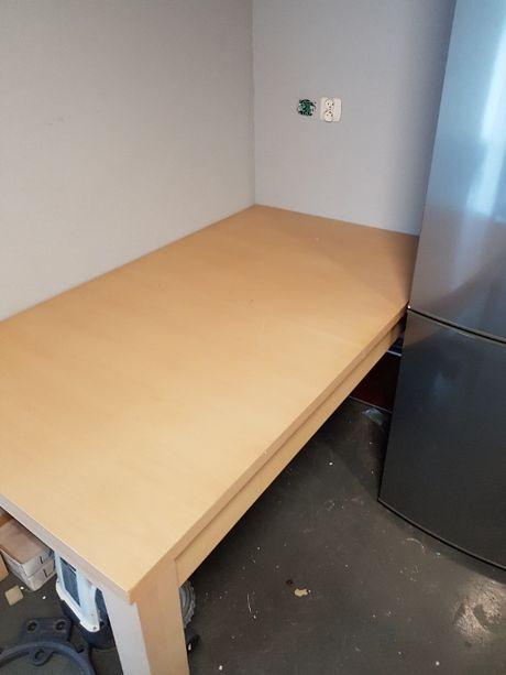 Duży rozkładany stół z litego drewna - chyba bukowy