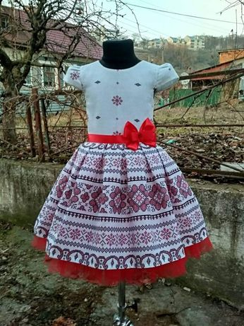 Платтячко в українському стилі