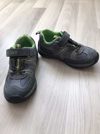 Кросівки дитичі