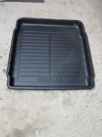 Plastik do bagażnika Octavia IV - nowy