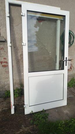 Drzwi plastikowe