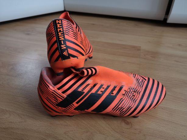 Buty piłkarskie Adidas Nemeziz 17.3 Fg S80604 Korki