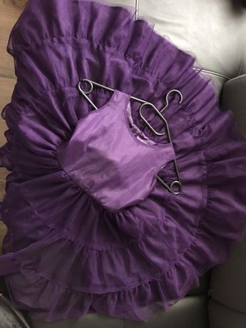 Śliczna sukienka tiulowa r.122 stan super