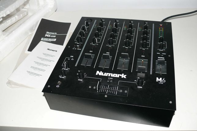 Numark M6 USB - Mesa de Mistura - Usada/completa