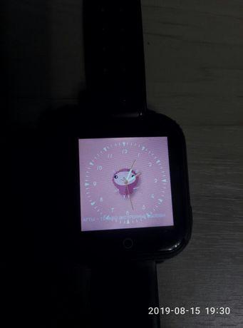 детские смарт часы-телефон.