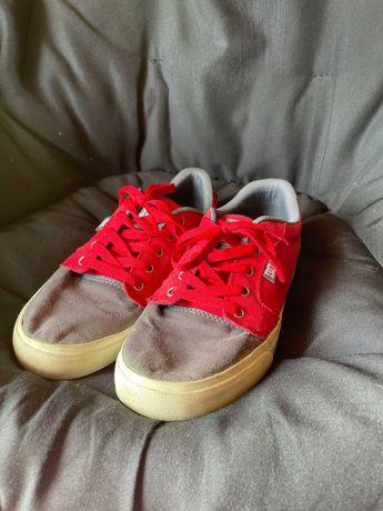 Sapatilhas DC Cinzentas e Vermelhas Tam 39