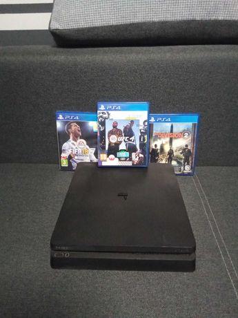PS4 slim+dodatkowy pad + 3 gry