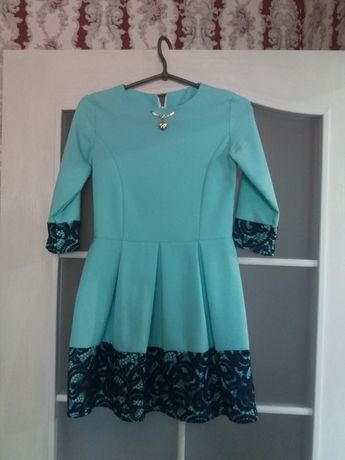 Платье берюзовое, школьное.