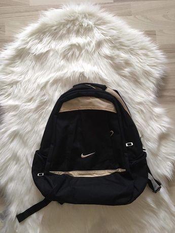 Plecak nike czarno-beżowy