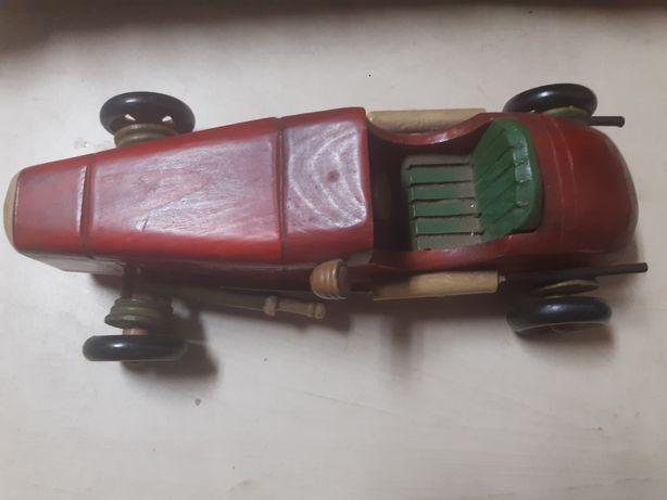 Carro bastante antigo