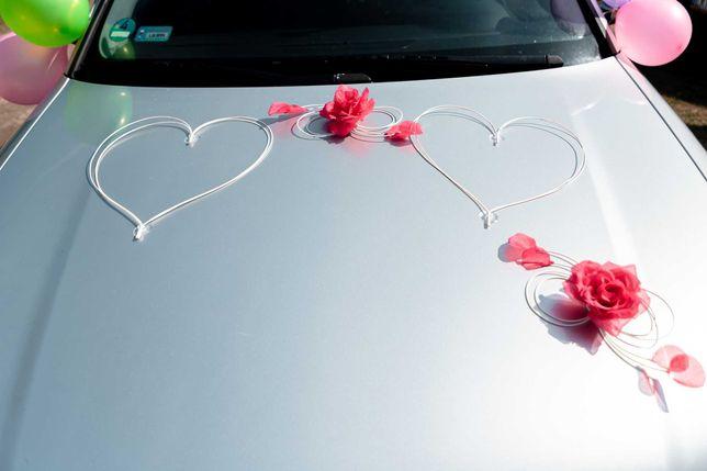 Ozdoba na ślubny samochód