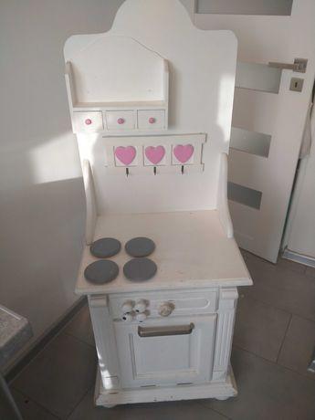 Kuchnia drewniana do zabawy