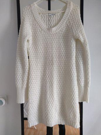 Biało kremowy ciepły sweterek