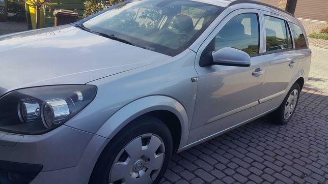 Opel Astra Kombi 2006 r. 1,9 cdti 101KM Srebny metalik