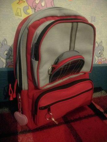 Рюкзак/портфель в школу