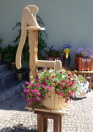 Studnia ,ozdoba do ogrodu donica na kwiaty