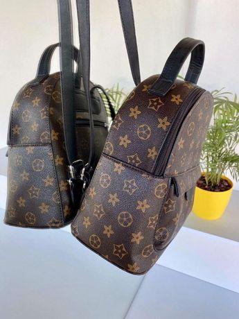Маленький ПОДАРОК школьнице / маленький рюкзак / Louis Vuitton /