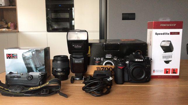 Nikon D7000 zestaw lampa błyskowa obiektyw