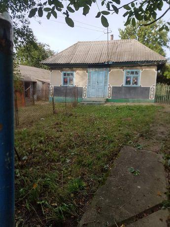 Будинок в селі Ржавинці