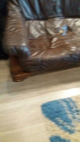 продам кожанный диван и кресло