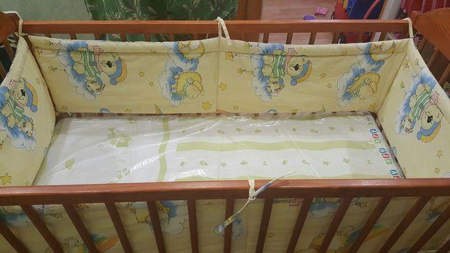 Детская деревяная кроватка качалка