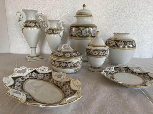 Винтаж: коллекция ваз и блюд.