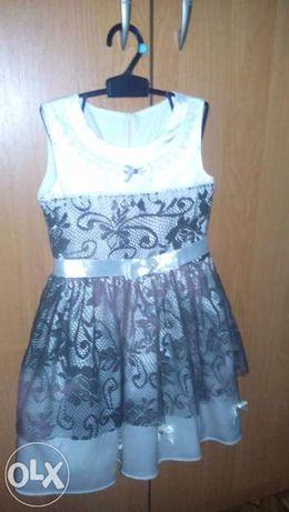 Продам платье для девочки 3-5 лет