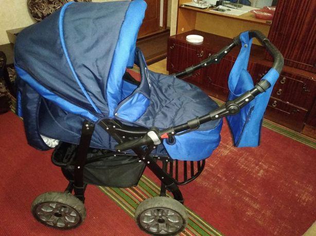 Дитяча коляска універсальна